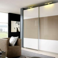 gloss-sliding-door-wardrobe